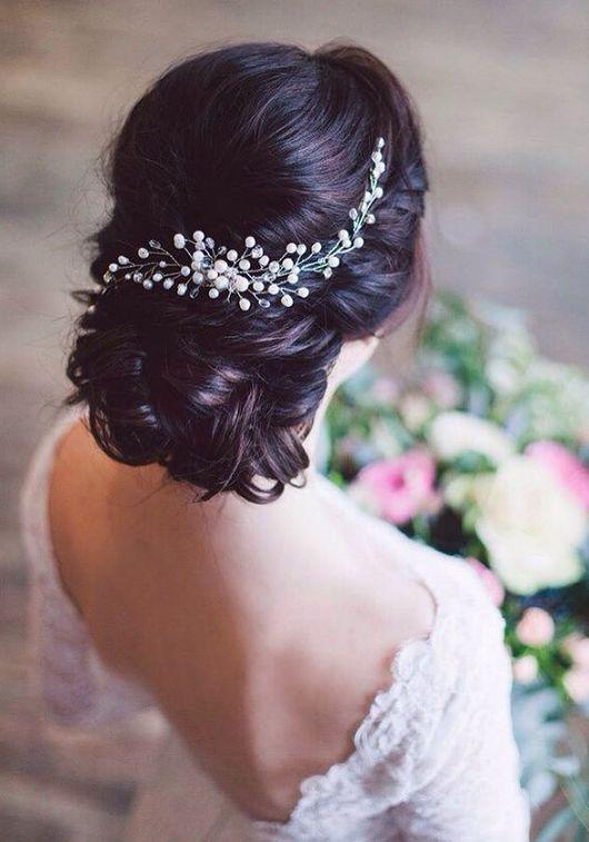 Långa bröllopsfrisyrer & uppdaterade frisyrer för brud via Evgeniya Lebedeva / http://www.himisspuff.com/wedding-hairstyles-from-evgeniya-lebedeva/3/