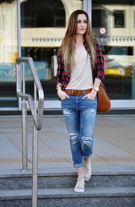 T-shirt Capri Jeans Boyfriend Shirt Outfit