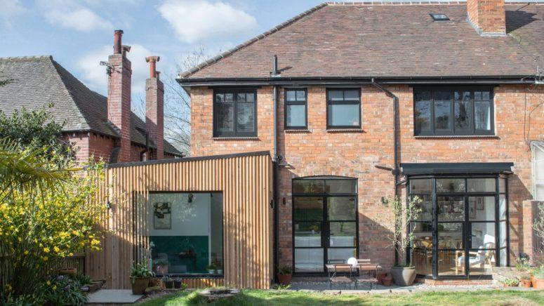 Cedarklädda moderna hemförlängningar i Birmingham - DigsDi