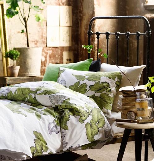 26 Dreamy Spring Bedroom Décor Ideas - DigsDi
