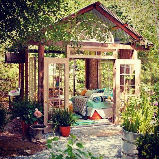 26 Dreamy Outdoor Oasis Designs - DigsDi