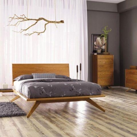 enkla och eleganta moderna sängar från mitten av århundradet    Modernt sovrum.