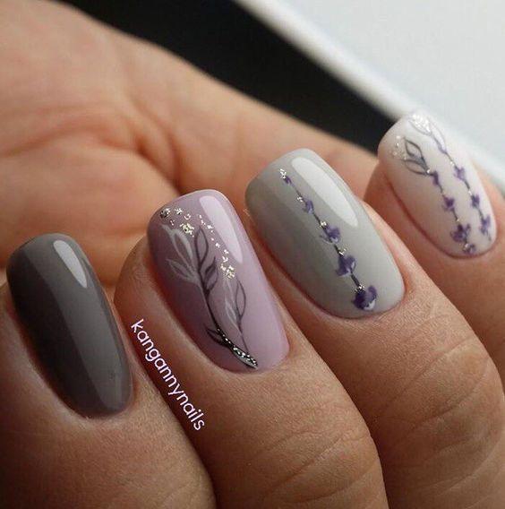 Lavendelgrå |  Enkla vårspikdesigner för korta naglar |  Blommig.