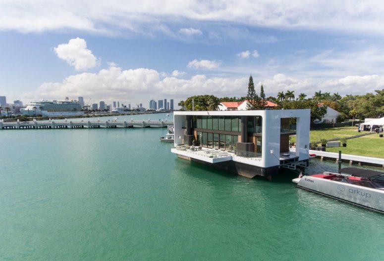 Flytande hus med samtida nautiska interiörer - DigsDi