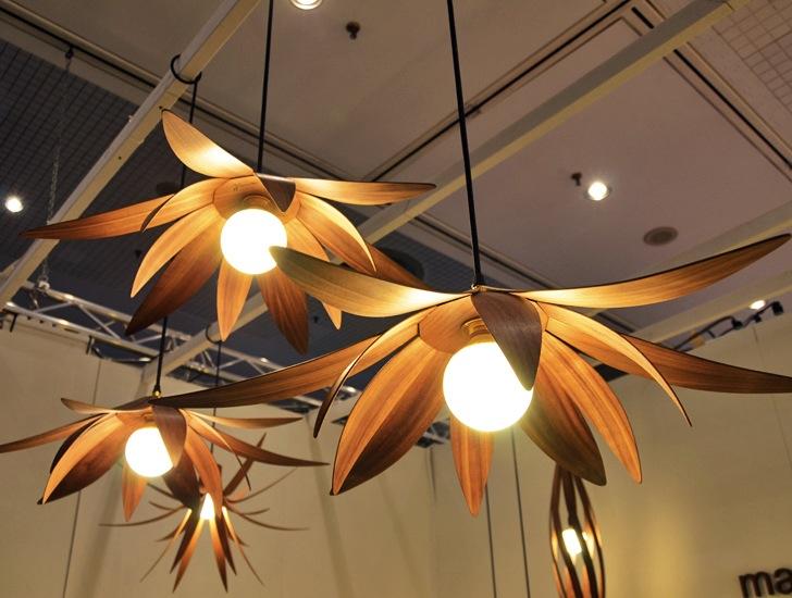 MacMasters blomminspirerade lampor lockar dig förföriskt in.