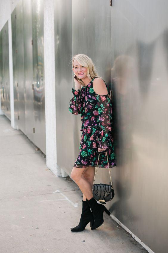 Blomma kall axel klänning tyll