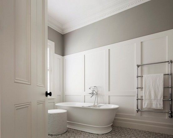 Fredlig badrumsdesign i neutrala färger    Salle de bain.