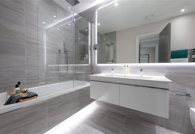 Subtila vita och gråa badrum    Koncept Desi