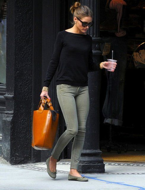grön skinny jeans svart topp