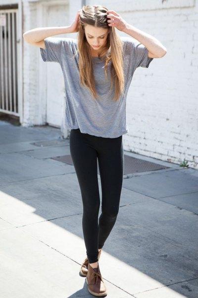 Chukka stövlar grå t-shirt leggings