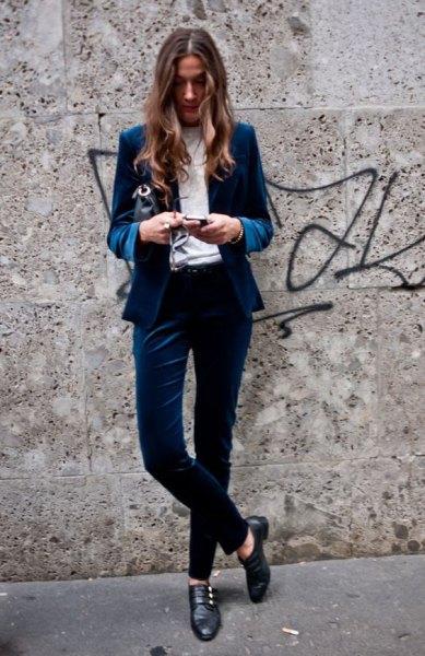 blå sammet blazer kostym outfit