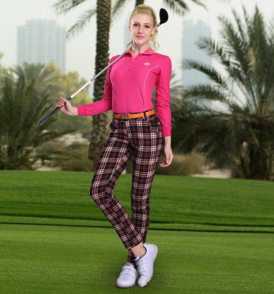 rutiga golfbyxor rosa pikétröja