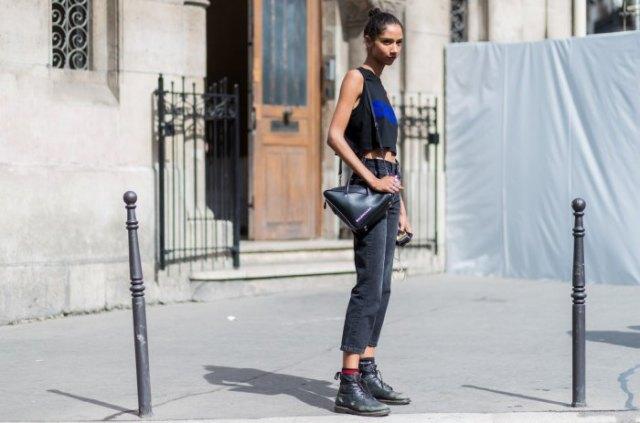 svart läder ankel stövlar ärmlös kort t-shirt