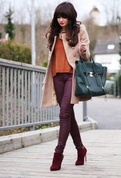 Ljusrosa ullrock med lila skinny jeans