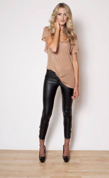 Blushrosa kortärmad longline-t-shirt med läderjackor