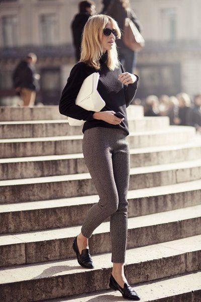 svart toffel tröja grå leggings outfit