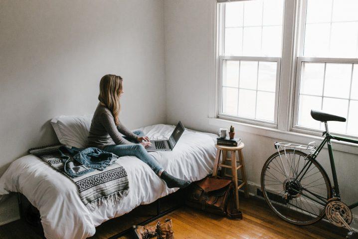 4 sätt att förbereda ditt sovrum för sommaren