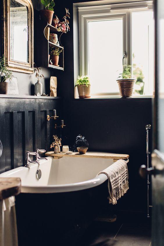 25 enkla sätt att lysa upp ett humörigt utrymme    Lugnt badrum.