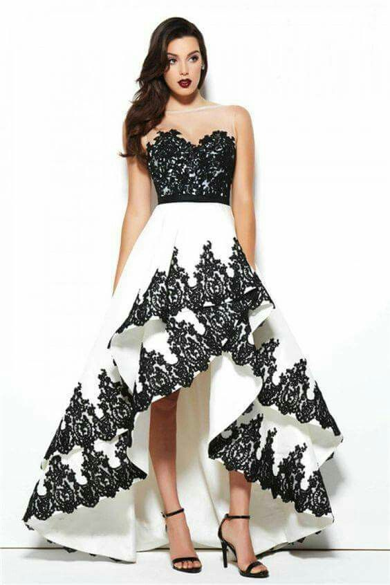 Hög låg klänning svart vit
