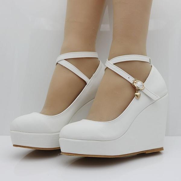 Akexiya vita kilar skor pumpar för kvinnor kilar höga klackar.