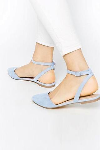 Tasseled Flat 2020    Trendiga skor, Stängda tåskor, Pretty sho