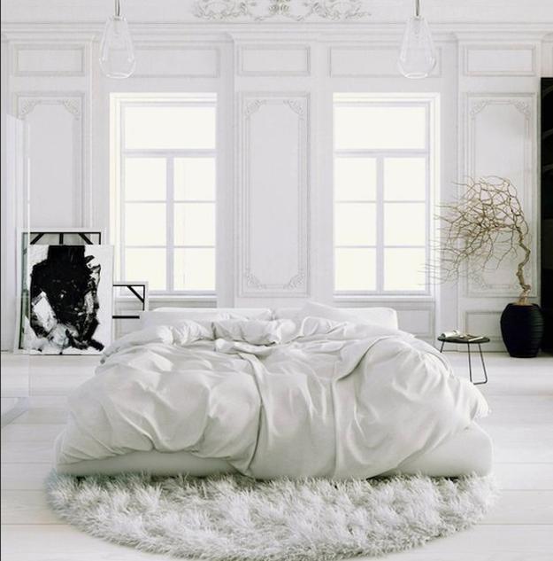 4 moderna idéer för att ge intresse för vita sovrumsdekorationer