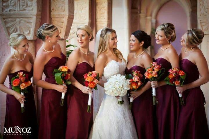 Älskar dessa brudtärna klänningar!  Behöver inte vara strapless.