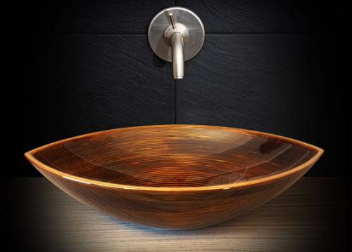 12 kreativa tvättställ av trä - 'Bootes' - Designad av: Ammonitum.