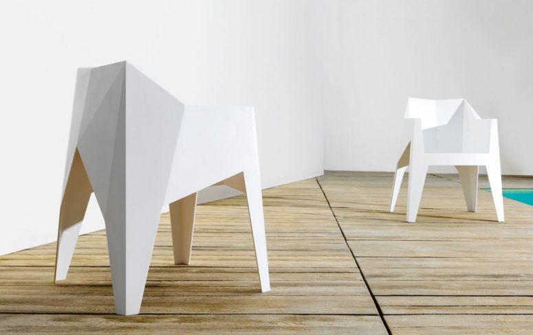 Minimalistisk facetterad Voxel-stol av Karim Rashid - DigsDi