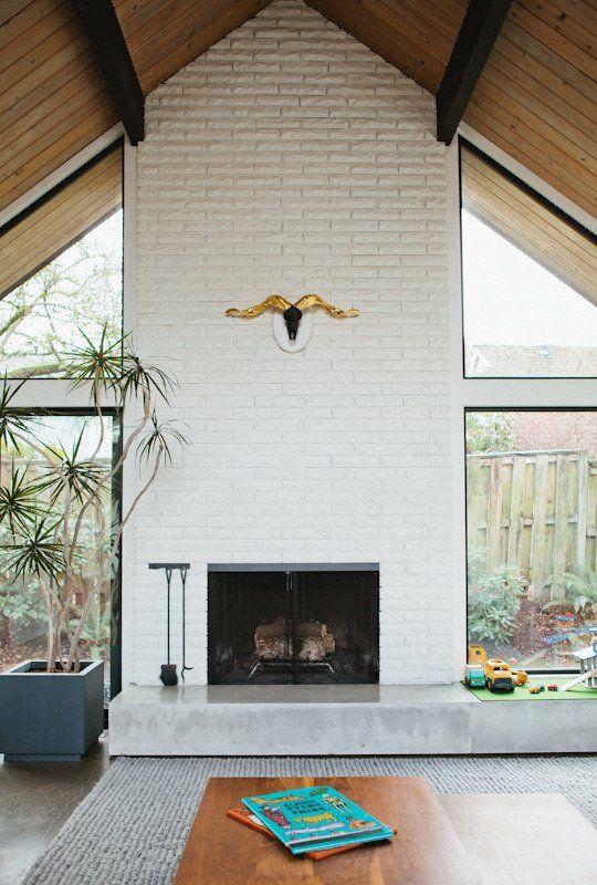 Jonya & Brad's Modern A – Frame    Tegelhusdesigner, modern tegelsten.