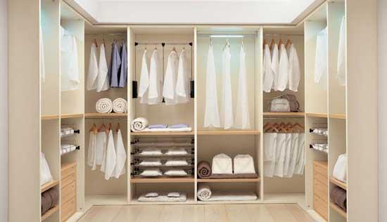 Omklädningsrumdesign    4 viktiga saker att inkludera    C