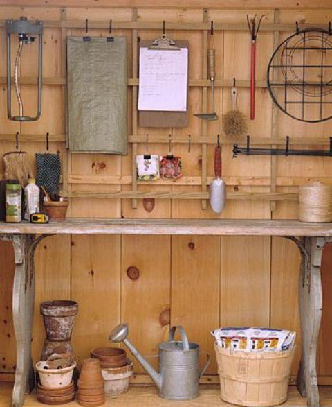 Bild av praktiska förvaringsidéer för trädgårdshus