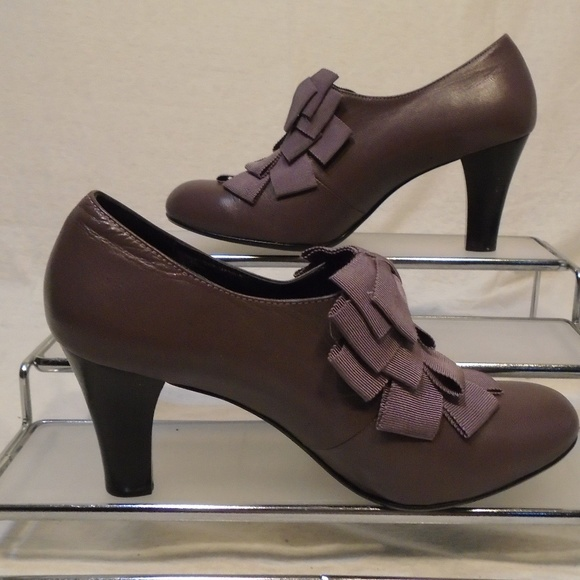 Itabella Skor    Bow Front Plum Purple High Heel Pumps Euc    Poshma