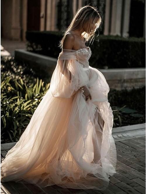 Köp Romantisk Off Shoulder Court Train ärmar bröllopsklänning med