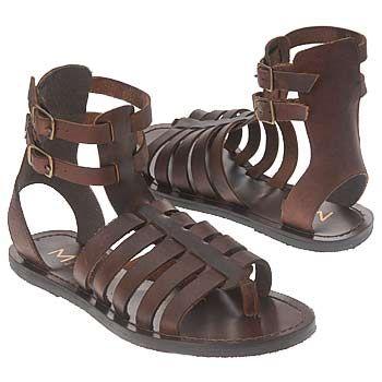 Romerska sandaler, som ibland användes under Directoire.  Inte.