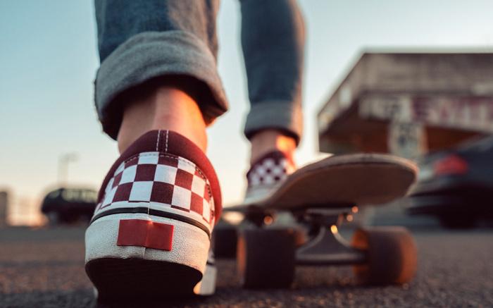 Bästa Skateboardskor för kvinnor: Från märken som Vans & DC Shoes.