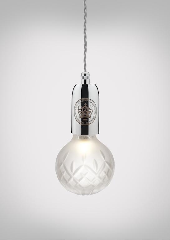 Snygg kristallkula med en raffinerad design - DigsDi