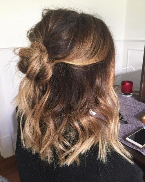 28 söta frisyrer för mellanlångt hår rätt N