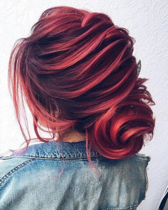 Sweet Trendy Hairdo For Christmas - fashiondiys.com 2020 |  Hår.