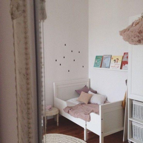 21 söta IKEA Sundvik säng- och spjälsängsidéer att prova  Ikea småbarnsrum.