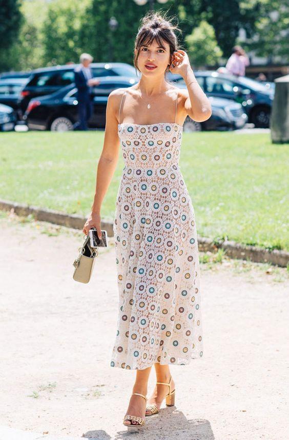 Virkad klänning med spagettiband