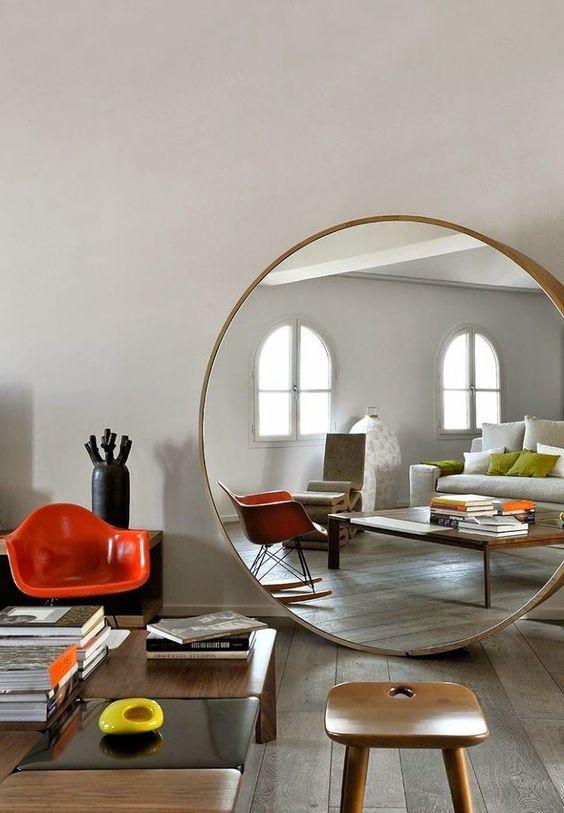 Extra stor rund spegel - bästa sättet att förstora ditt hemutrymme.