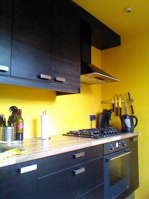 Svart och gult kök |  Svart köksdekor, gult kök.