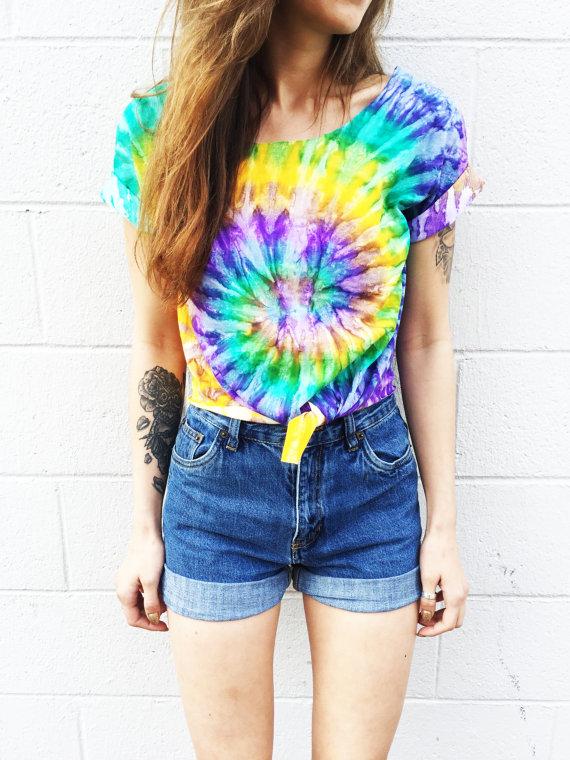 Tie dye t-shirt jeansshorts