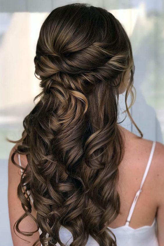 15 underbara långa bröllops- och frisyridéer    Bal frisyrer.
