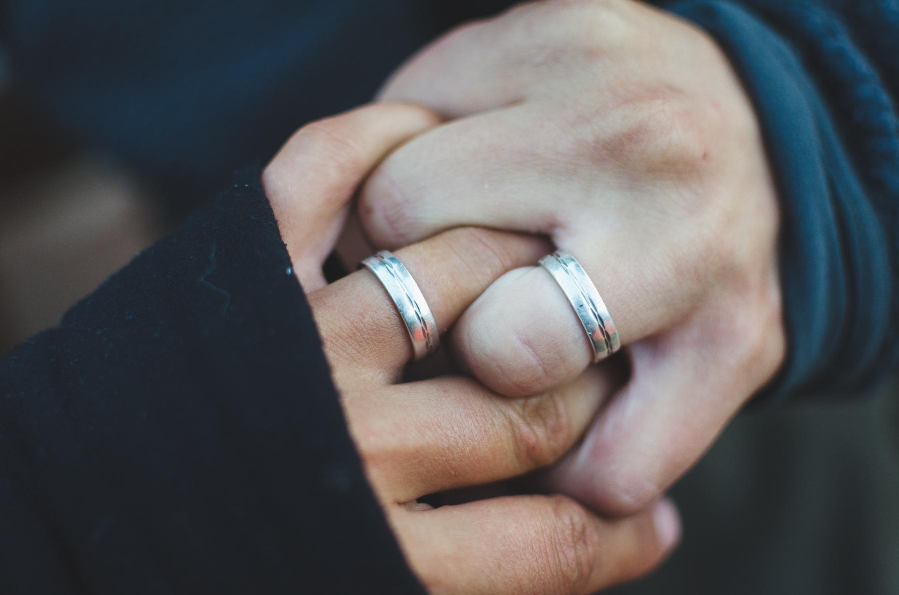 Badass exotiska förlovningsringar för män