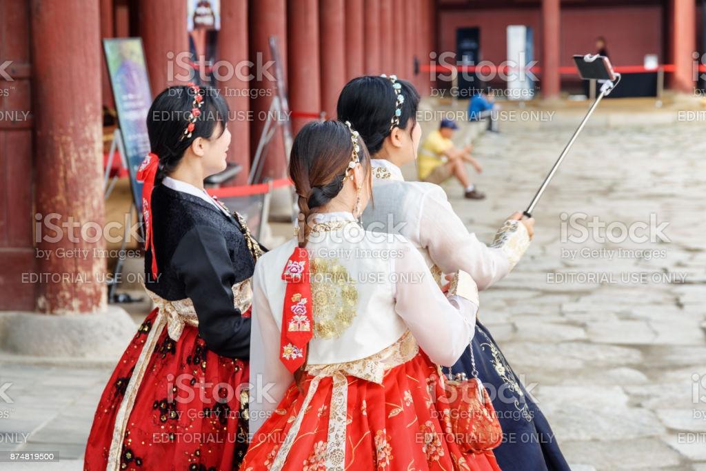 Bästa koreanska traditionella kläder