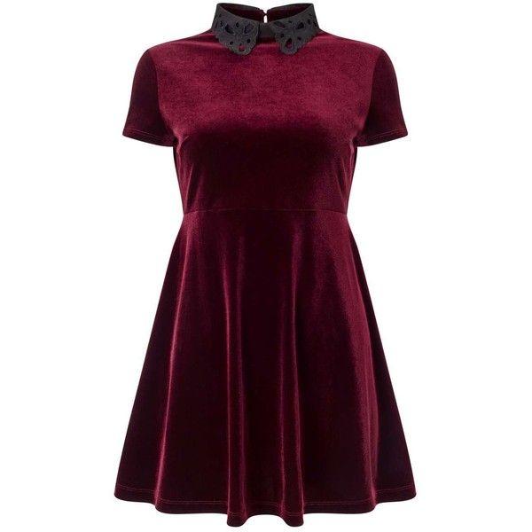 Burgundy Skater Dress Outfit Idéer