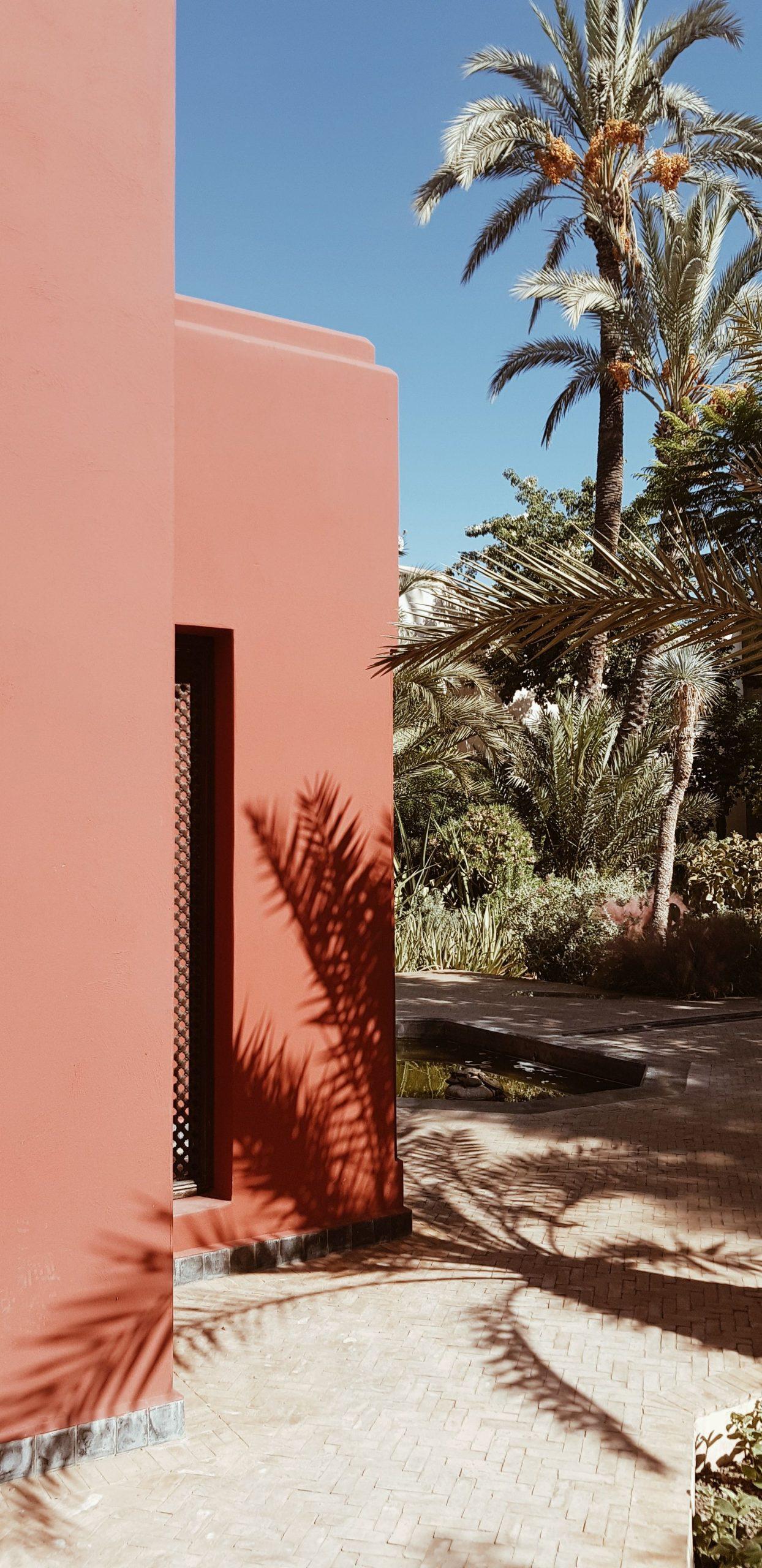 Charmiga uteplatsdesigner i Marocko