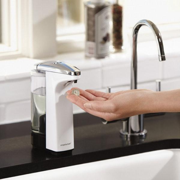 Cool sensor tvålpump för kök och badrum av Simplehuman